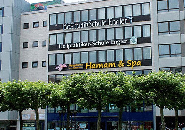 Die Kosmetikschule an der Konstablerwache, Zeil 51 in Frankfurt am Main