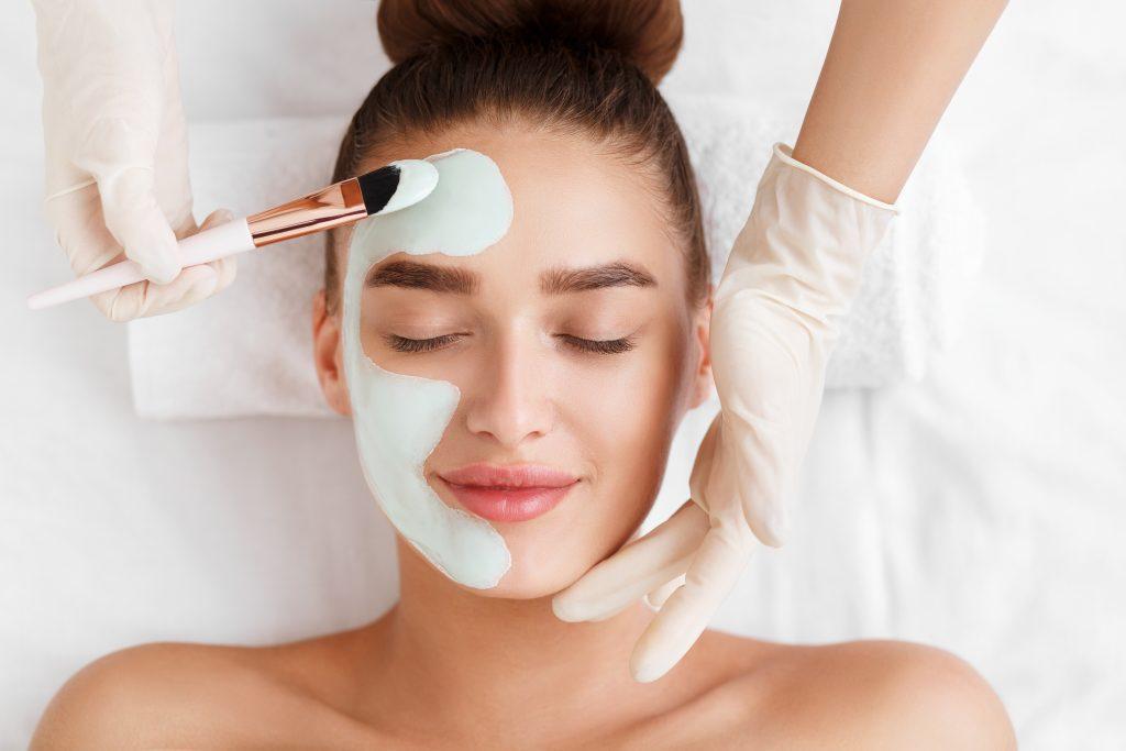 Die Ausbildung zur Kosmetikerin - Gesichtsbehandlung